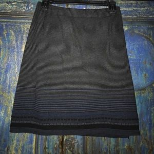 Max studios sweater skirt. Sz S