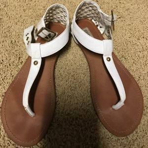 Steve Madden white leather sandal! Super cute!