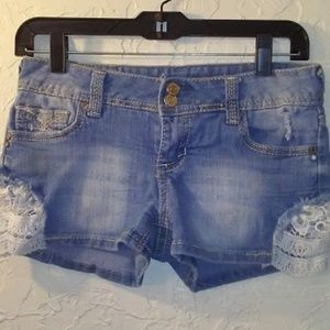 SIZE:3*AMETHYST*SHORTS W/LACE-GREAT CONDITION!!
