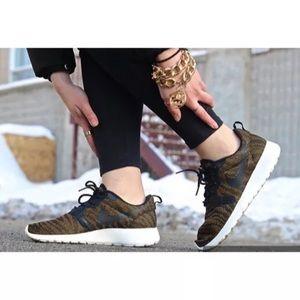 Women's Nike Roshe Run Jacquard Sneakers