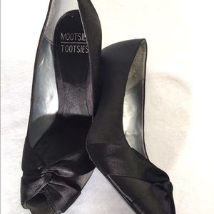 Black Satiny Peep Toe High Heel Women's Size 7.5M