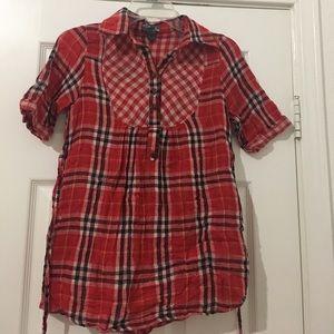 Super cute button up shirt