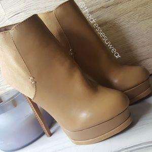 Forever21 Platform Camel Boots Sz6