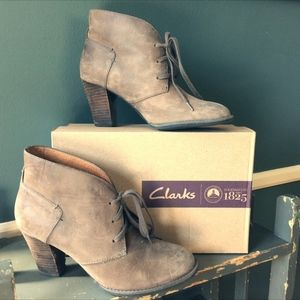 Indigo by CLARKS Ankle Suede Bootie