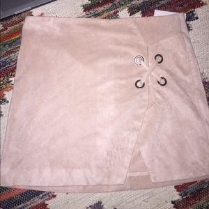Mini skirt NWOT