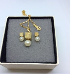 Gold earrings necklace set