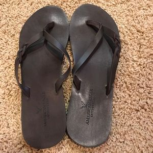 American Eagle leather flip flops. Worn once!