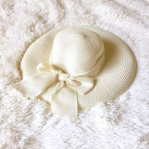 NWOT Super Cute Cream Sunhat with Wide Ribbon