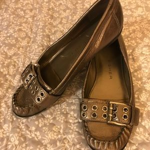 Mark Jacobs gold loafer moccasin style & buckle 8
