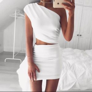 WHITE TWO-PIECE SET