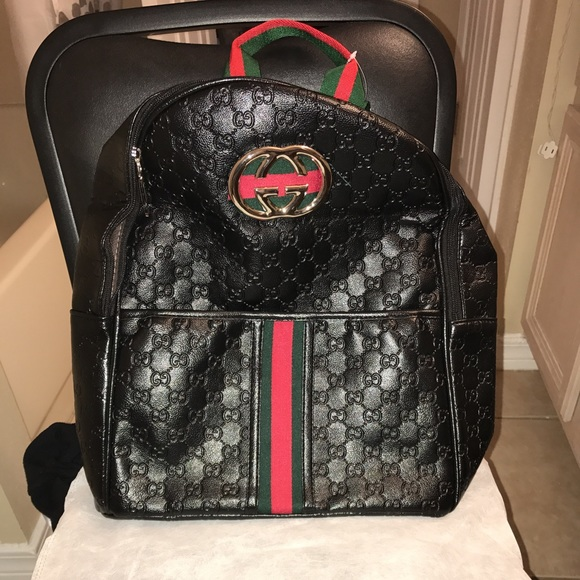 c414839ddee Gucci Handbags - GG GUCCI SUPREME CANVAS BACKPACK