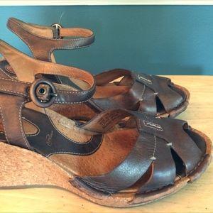 Clark Super Comfy Nike Air Wedge Sandals