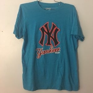 Bright blue fitted Yankees T-shirt