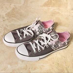 NWOT Converse All Star Grey Floral Shoes