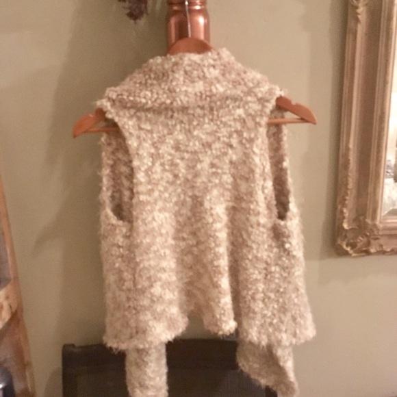Kensie Other - Kensie White Space Dye Chubby Vest