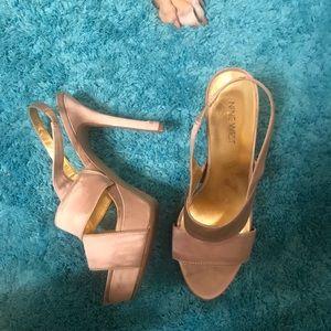 Nine West nude heels 8.5