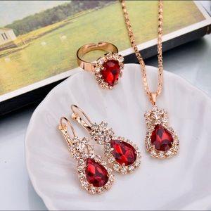 Beautiful Fashion  statement Red teardrop 🌺NWT🌺