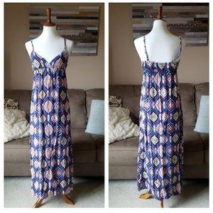 Forever 21 Blue Diamond Print Maxi Dress