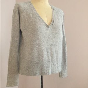 Duffy Oatmeal Shimmer Cashmere V neck Sweater S