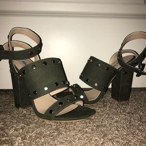 NWT Steve Madden army green Jansen studded heels