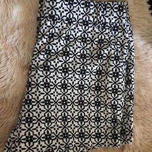 Pants - Black & White Abstract Print Size 14 Shorts