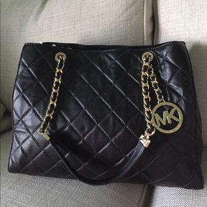NWT Michael Kors Susannah black leather handbag