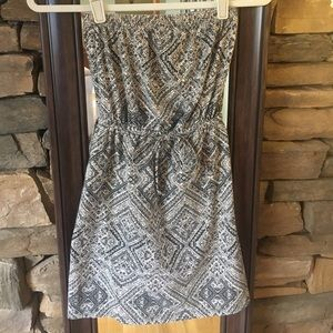 Tribal pattern strapless dress
