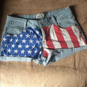 LEI juniors American Flag USA jean shorts