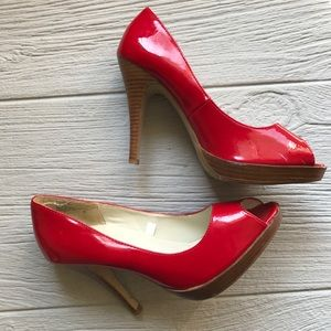 👠Red Peep Toe Pumps!