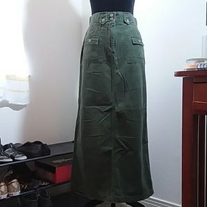 Plus Size 14 St. John's Bay olive maxi cargo skirt