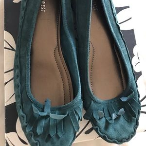 NWOT Teal Fringe Suede Moccasins — great fall shoe