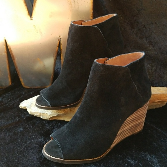 c83106de519d Lucky Brand Shoes - Lucky Brand Jezzah Peep Toe Wedge Bootie