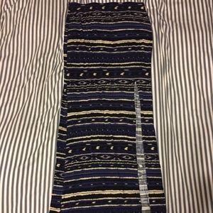 Maxi Skirt with high slit