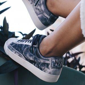 NWT Nike blazer low LX