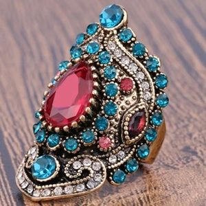 Jewelry - ⚡️SALE⚡️Gorgeous Vintage Gold Plated Sapphire