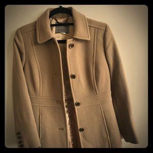 J Crew women's beige lady day coat size 4P