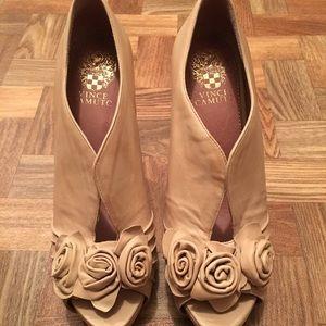 Beautiful Vince Camuto heels, vanilla color