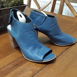"Super Cute!   Steve Madden Heels  3 1/2"" heel"