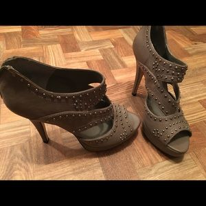 Vince Camuto studded heels size 8, never worn