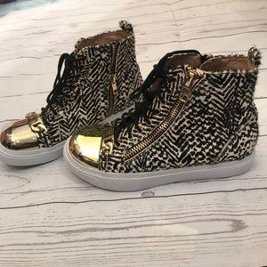 Jeffrey Campbell super rare Adams fur & gold shoes