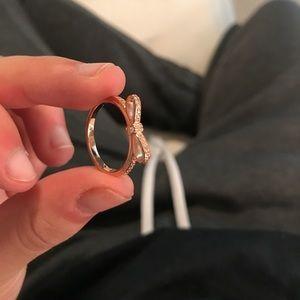 never worn rose gold bow pandora ring