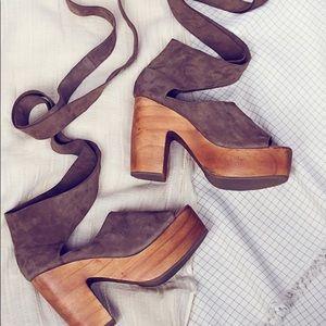 Lace Up Platform Sandals