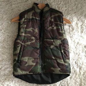Camouflage puffy vest kids 5/6