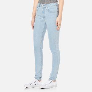 Levi's High Rise Skinny Jean size 25