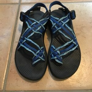 Women's 3 strap Chacos with toe strap