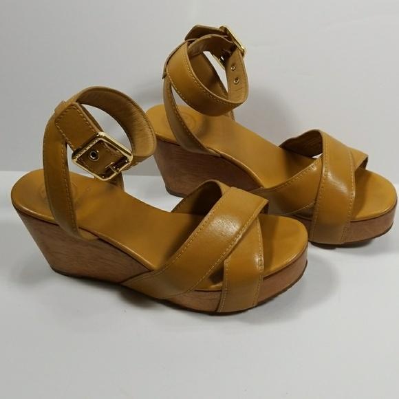 b35703febb6 Tory Burch Almita Tan Wood Platform Sandals 6.5 M