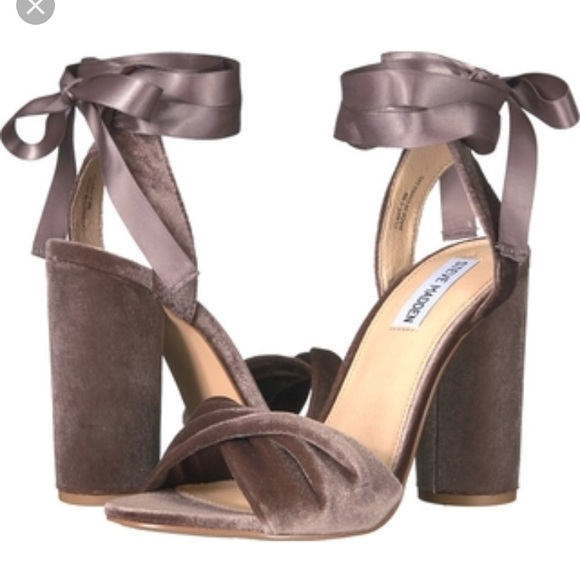174ed3b07d1 Steve Madden Clary V dress sandal size 6M. M 59c9ba079c6fcf18b10a3ee8