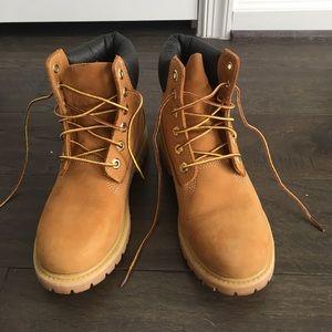Timberland Women's Premium Waterproof boots -Sz 6M