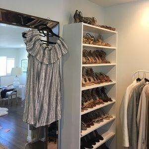 Dresses & Skirts - Ruffle off the shoulder dress