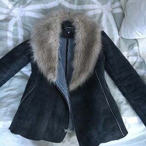 Guess coat with faux fur collar